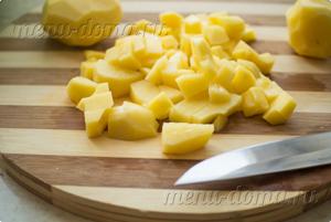 Нарезанный кубиком картофель