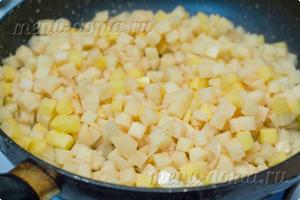 Картофель на сковороде