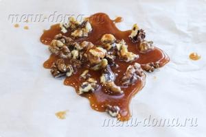 Залитые карамелью орехи