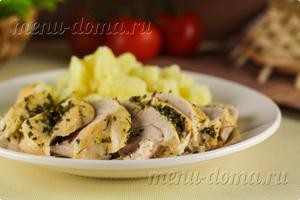 Фото готовой курицы, приготовленной на пару в мультиварке